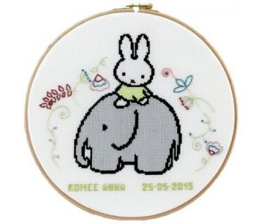 geboorte Nijntje op een olifant